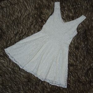 TOPSHOP Fit & Flare White Lace Summer Dress